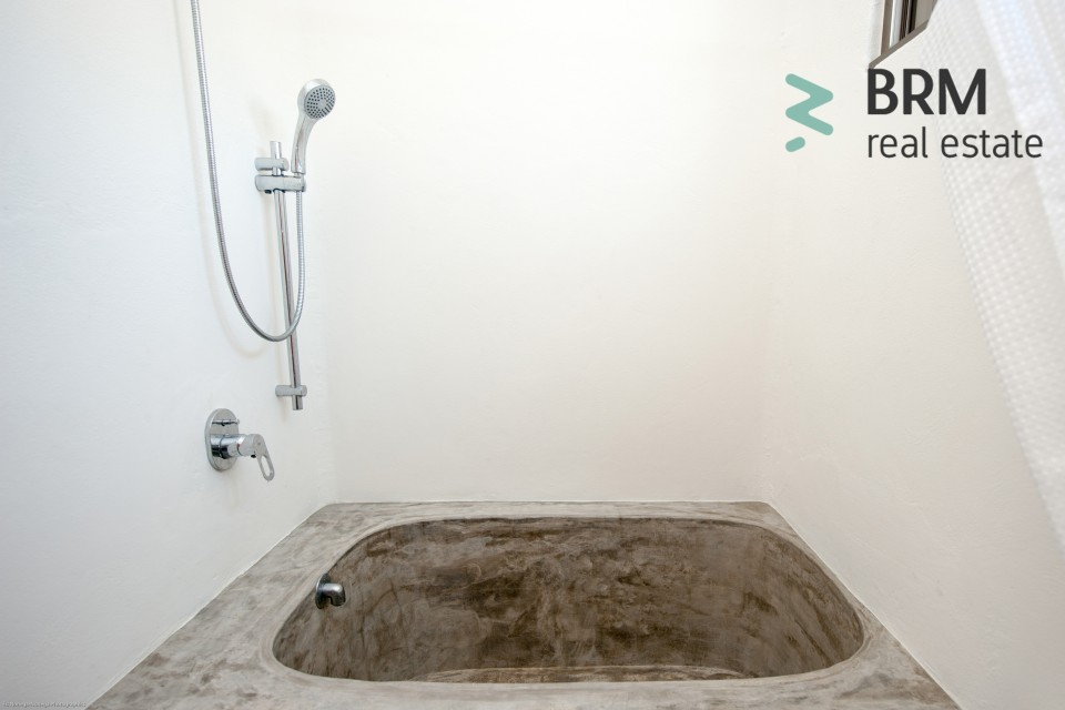 Polish concrete Bath tube